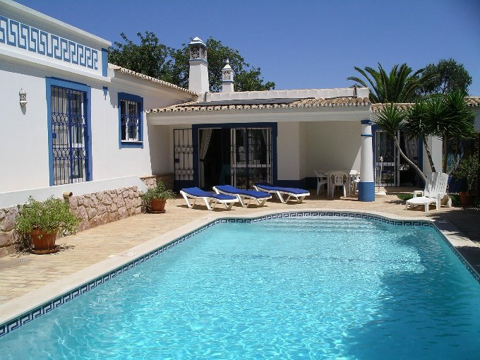 3 Bedroom Villa Guia Algarve 8 people » Casa