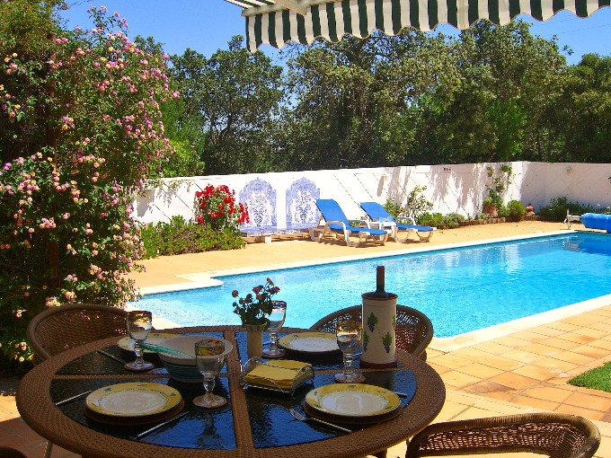 4 Bedroom Villa Almancil Algarve 9 people »