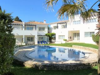 3 bedroom villa Praia Da Luz Western Algarve 7 people.