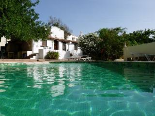 4 bedroom villa Western Algarve 8 people.
