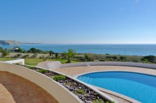5 bedroom villa Praia Da Luz Western Algarve 11 people.