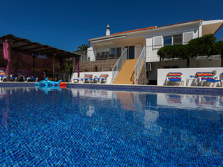 5 bedroom villa Guia Central Algarve 12 people.