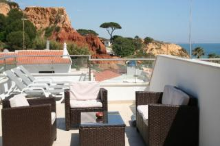 1 bedroom apartment Albufeira Central Algarve 5 people.