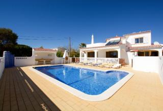 4 bedroom Villa Carvoeiro / Vale Do Milho Algarve 8 people